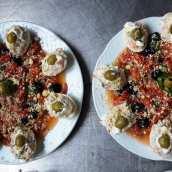 Pimientos Asados con Huevos Rellenos de Ensaladilla