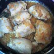 Pollo en Salsa con Champiñones al Tomillo