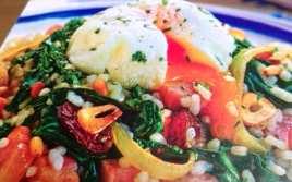 Arroz con Espinacas y Huevo Escalfado