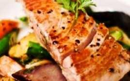 Atún con Salsa de Hierbas