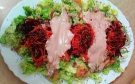 Ensalada Cristina con Salsa Rosa