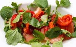Ensalada con Tomate y Pimientos Asados