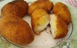 Huevos Con Bechamel Empanados