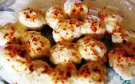 Huevos Rellenos con Beicon y Gratinados
