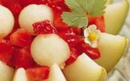 Melón Relleno Con Macedonia De Fresas