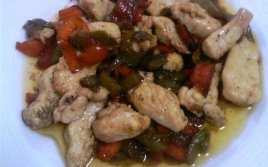 Pechuga de Pollo con Pimientos y Salsa de Soja