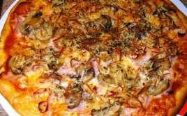 Pizza Caprichosa Casera
