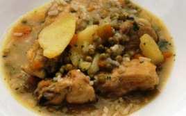 Pollo con Patatas y Arroz
