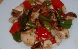 Pollo con Pimientos y Champiñón