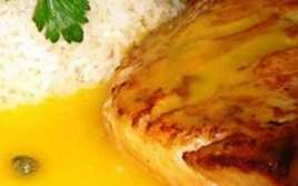 Salmón con Salsa de Mango