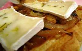 Tarta de Cebolla Caramelizada y Queso Brie