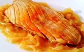 Ventresca de Atún con Salsa de Cebolla