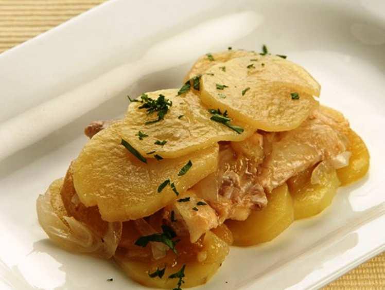 Bacalao con Patatas y Manzana