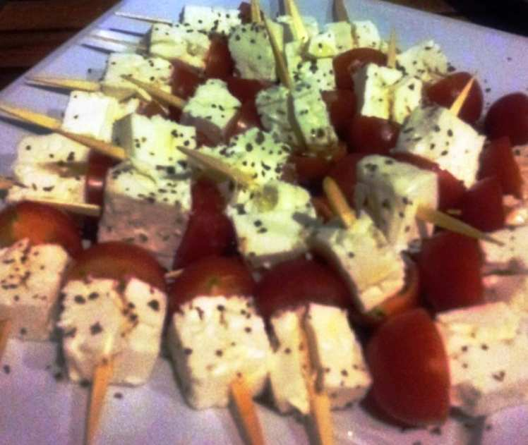 Brochetas de Queso Fresco y Cherrys
