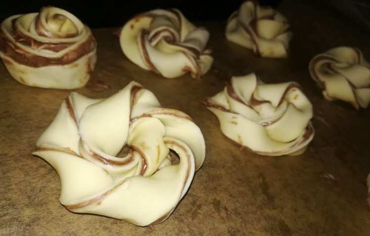 Caracolas de Hojaldre con Nocilla