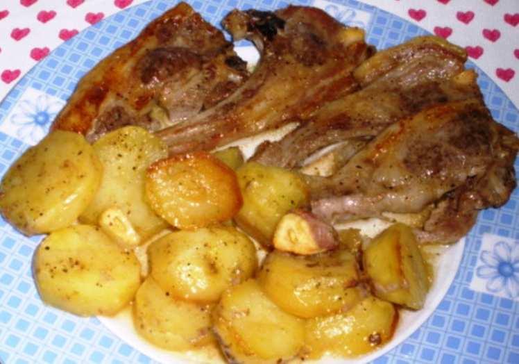 Chuletas de cordero con patatas al horno mis recetas caseras - Chuletas de cordero al horno con patatas ...
