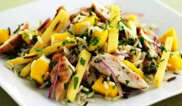Ensalada de Arroz con Pollo y Mango