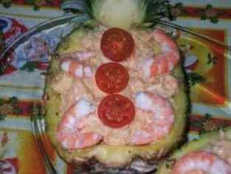 Ensalada De Cangrejo Con Piña Natural