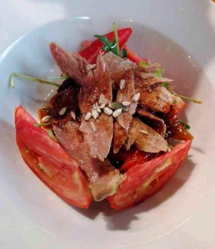 Ensalada de Tomate con Ventresca de Atún