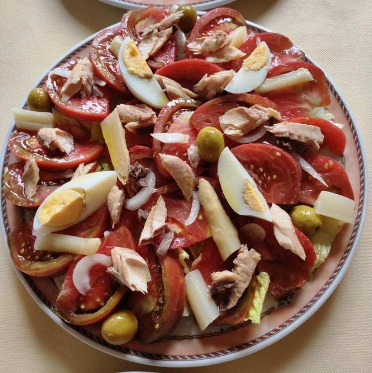 Ensalada con Tomates del Terreno