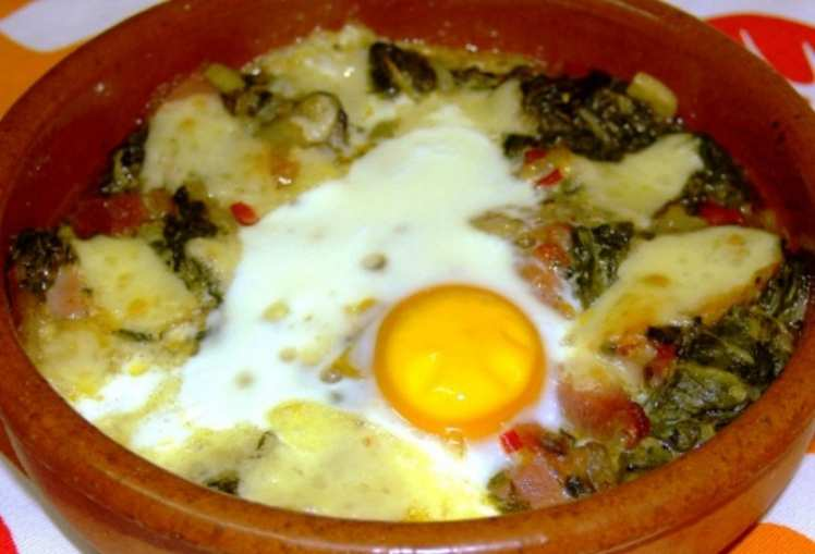 Espinacas con Lomo y Huevo Gratinadas