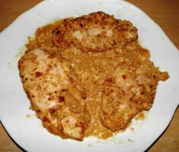 Filetes De Pollo Al Horno Con Salsa De Cebolla