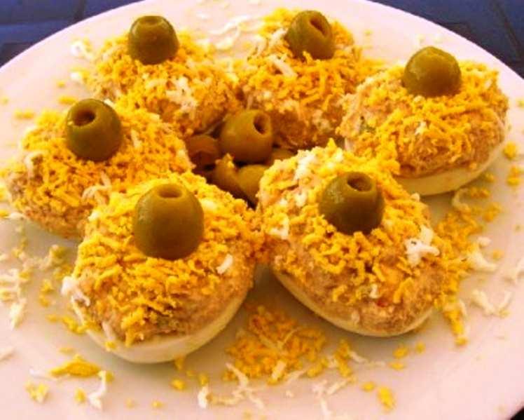Huevos con Gambas, Jamón y Mayonesa