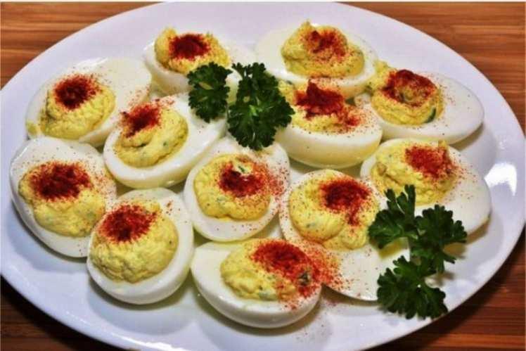 Huevos Rellenos de Puré de Patatas y Atún
