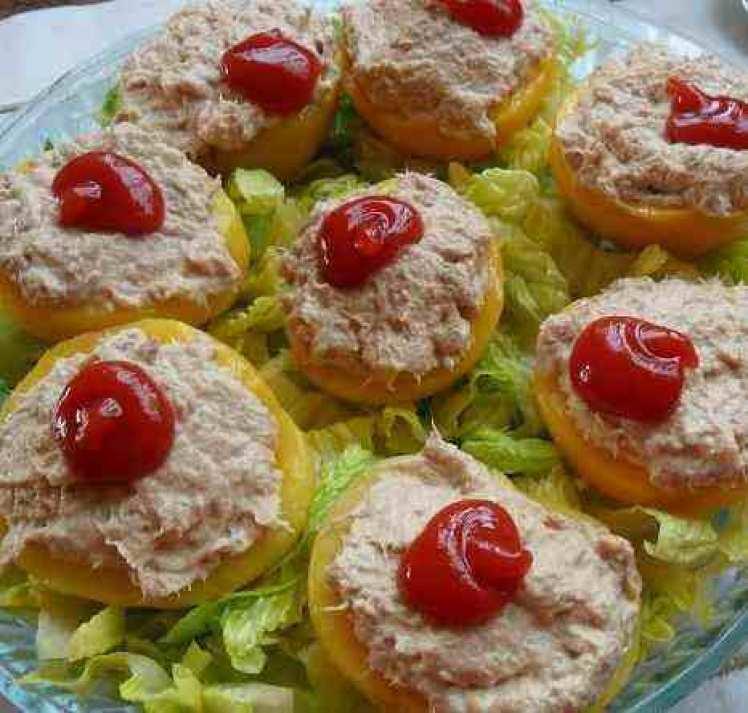Melocotón Relleno De Atún Con Salsa Rosa
