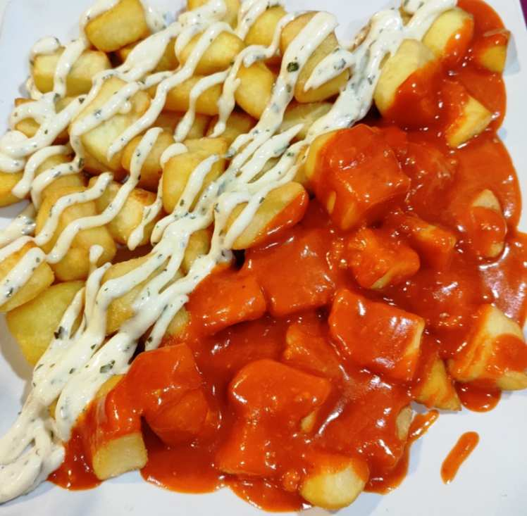Patatas fritas con dos Salsas
