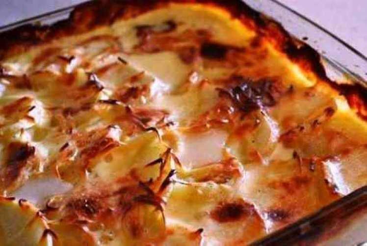 Patatas Gratinadas Con Queso Y Nata