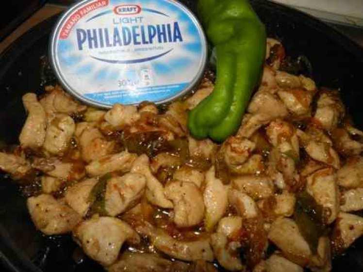 Pechuga De Pollo Con Pimientos Y Philadelphia