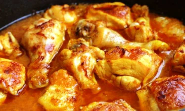 Pollo en Salsa de Azafrán