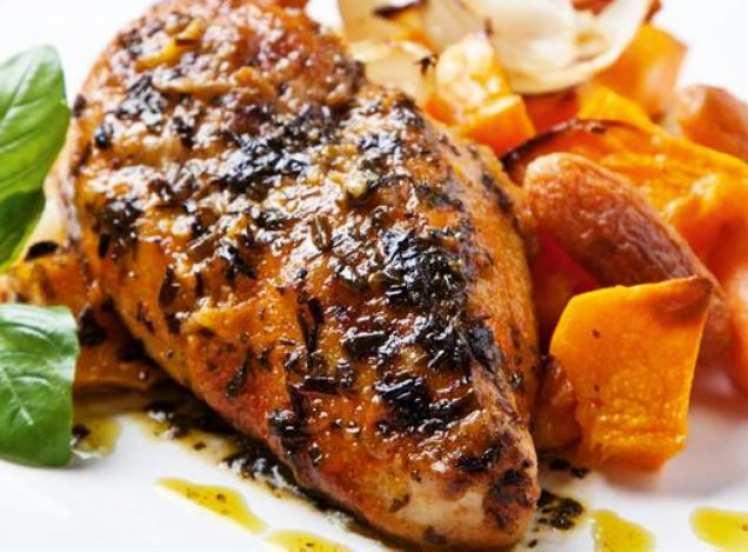 Pollo con Salsa de Estragón