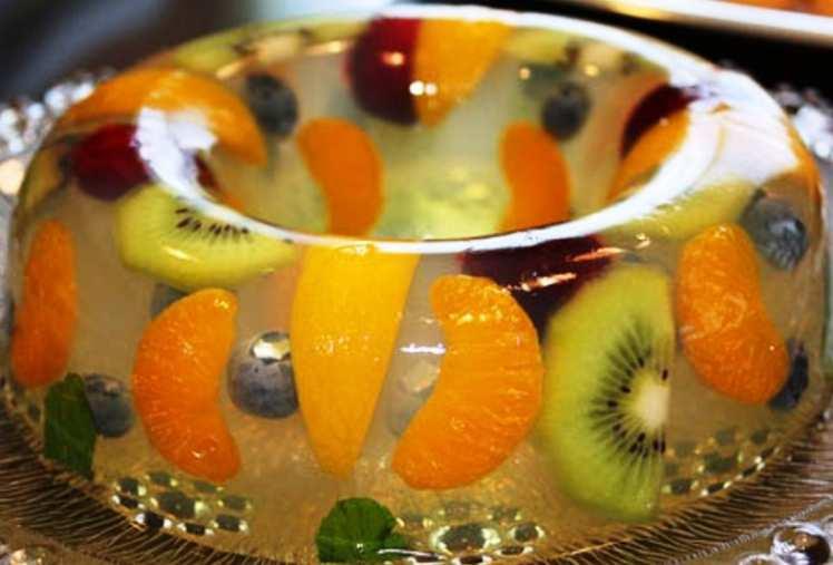 Postre de Gelatina con Frutas