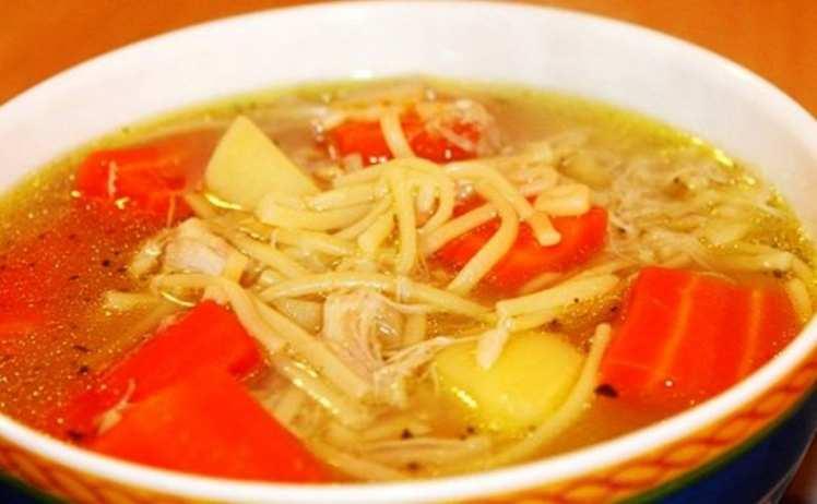 Sopa de Fideos con Zanahorias