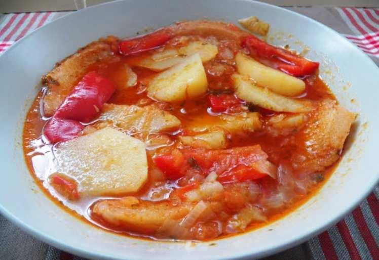 Sopa de Patatas y Tomate