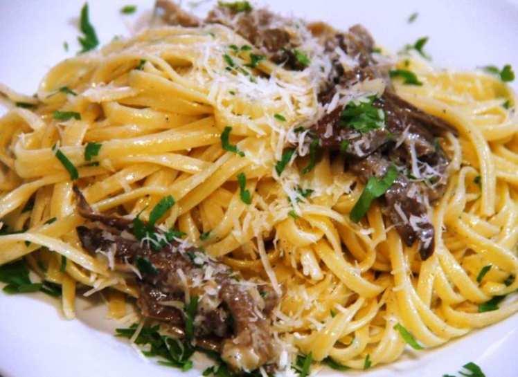 Tallarines con Setas y Gorgonzola