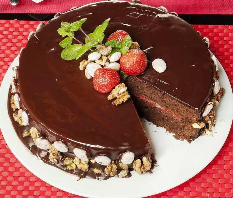 Tarta de Chocolate y Fresas