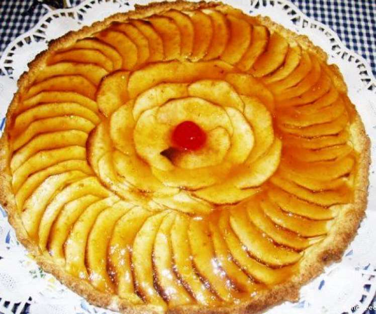 Tarta de Manzanas con Base de Galletas