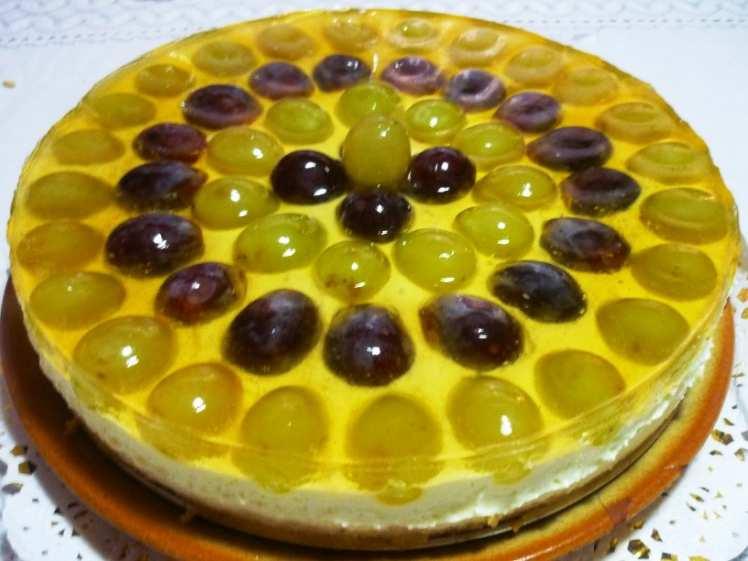 Tarta de Queso con Uvas