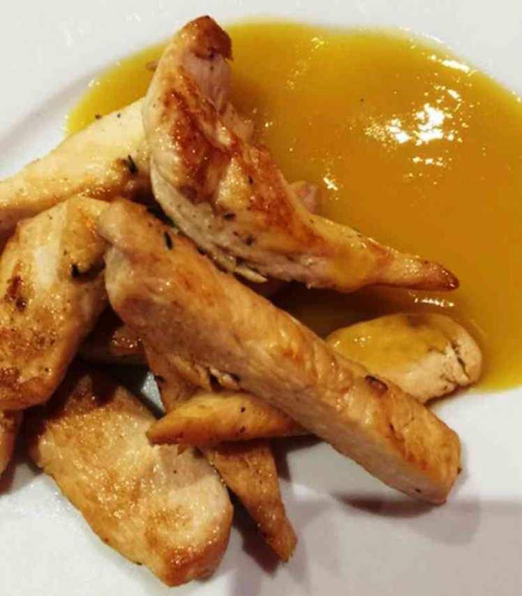 Tiras de Pollo con Salsa de Mango