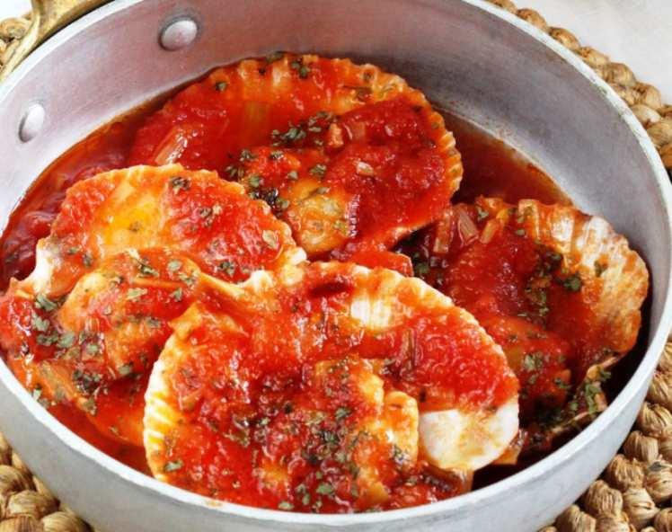 Zamburiñas en Salsa de Tomate
